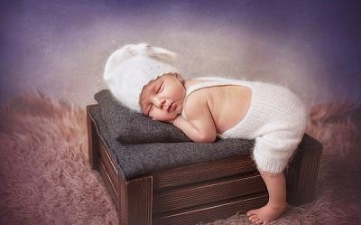 Новорожденному удобно спать